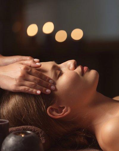 Lady having massage at Seabu Organic Therapies